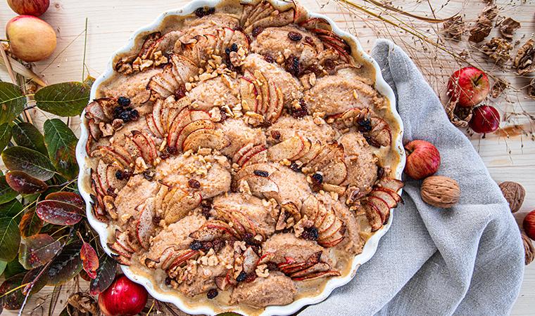 Grießnockerl-Auflauf mit Äpfeln, Nüssen und Rosinen