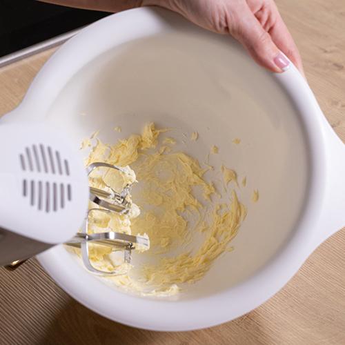 nockerlgriess-recheis-anleitung-butter-schaumig-schlagen