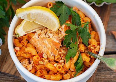 Hörnchen mit Tomatensauce und Lachs | Meal Prep mit Fisch