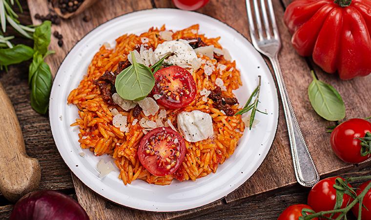 Nudel-Risotto mit Tomaten