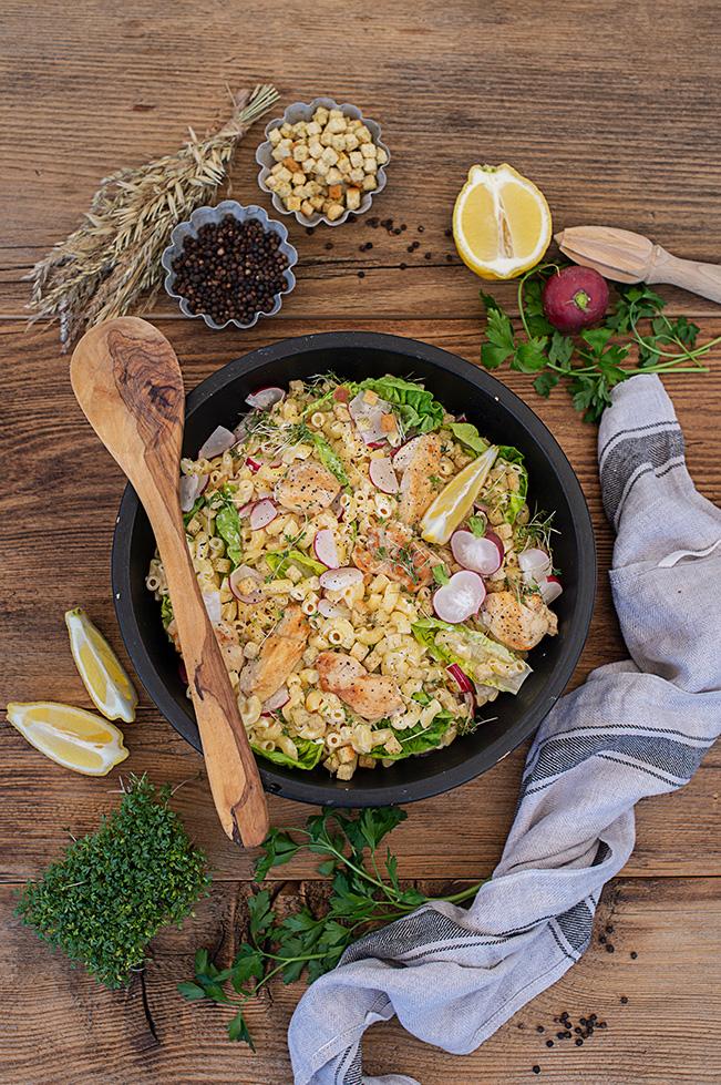 rezept-caesar-salat-nudeln-huhn