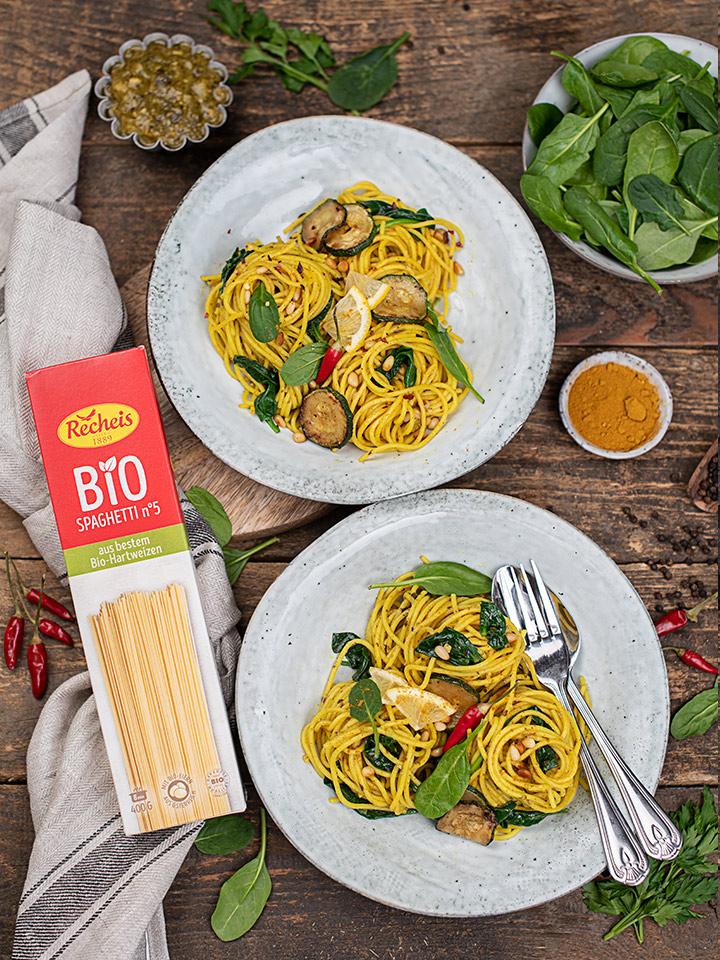 rezept-kurkuma-spaghetti-mit-spinat-und-pesto