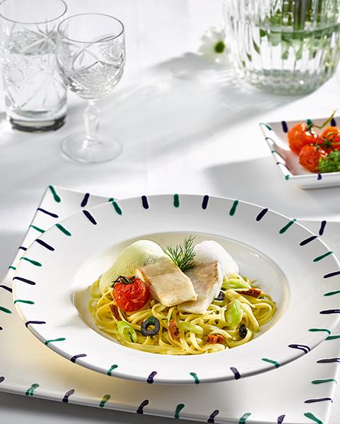 rezept-pochiertes-reinankenfilet-tomaten-oliven-fettucine