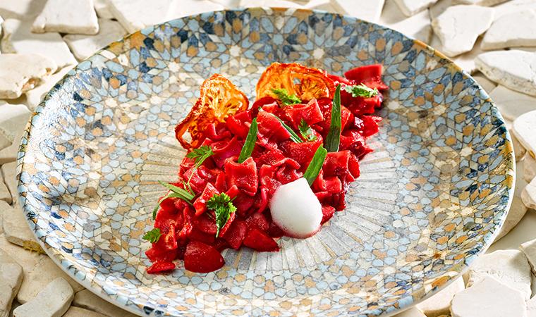 Rote Beete – Fleckerl mit Tomate, Kümmel und Estragon