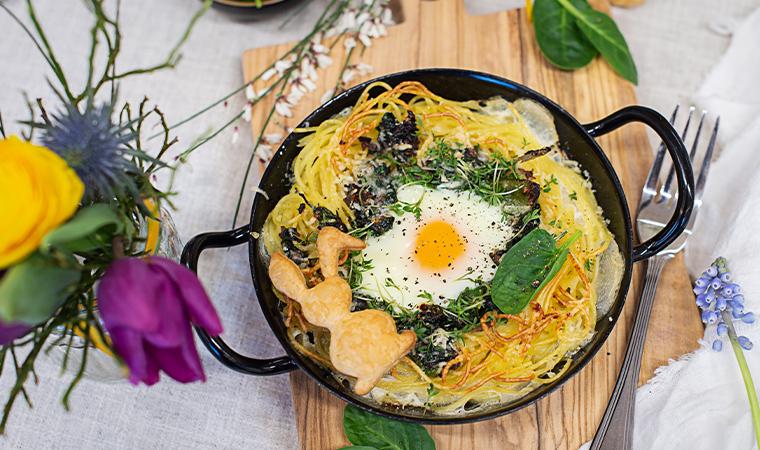 Spaghetti Nester mit Spinat und Ei