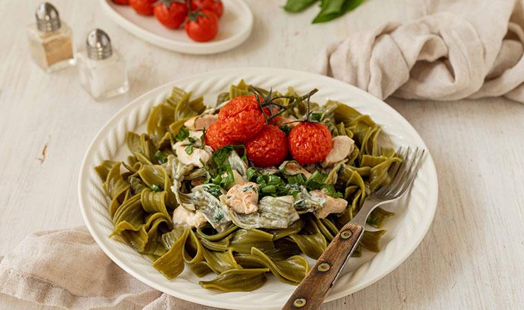 baerlauchnudeln-frischkäsesauce-huhn-tomaten