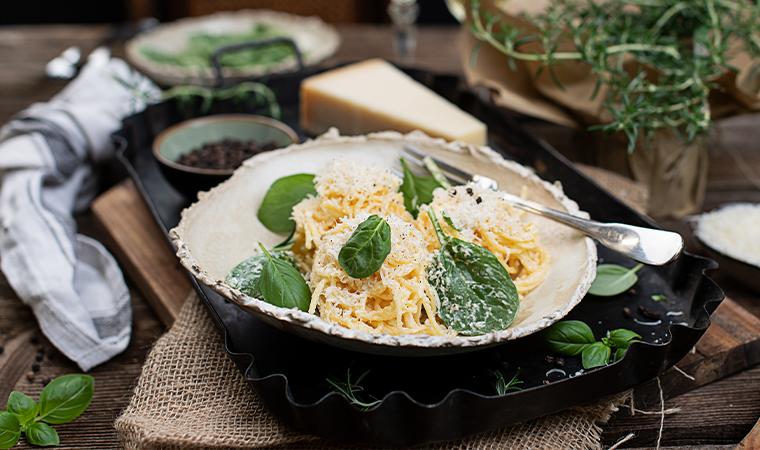 Spaghetti Alfredo mit Spinat