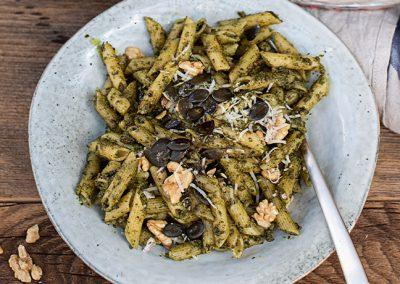 Dinkelpenne mit hausgemachtem Kürbiskern-Bärlauch-Pesto