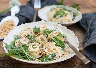 Dinkelspaghetti mit cremiger Gorgonzola Sauce & Spinat